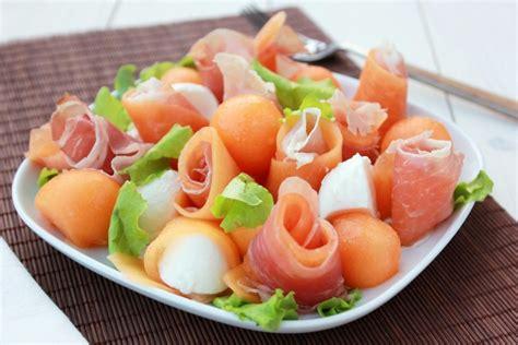 come cucinare le mozzarelle insalata di melone prosciutto crudo e mozzarella