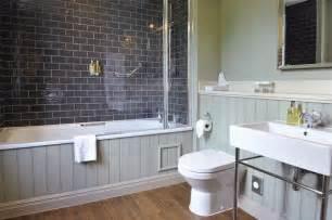 wonderful Petite Salle De Bain Avec Douche Et Baignoire #4: petite-salle-de-bains-baignoire-douche-carrelage-metro-gris.jpg
