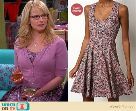 plays bernadette on big theory images