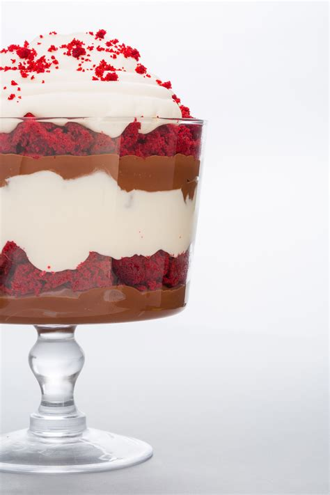 christmas desserts 11 christmas trifle recipes easy holiday trifle desserts