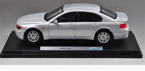 Diecast Bmw 745i By Welly Original silver 1 18 scale welly diecast bmw 745i model na02t0522