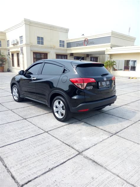 Honda Hrv E 1 5 At 2015 hr v honda hrv 1 5 e cvt 2015 matic hitam km 20 rban