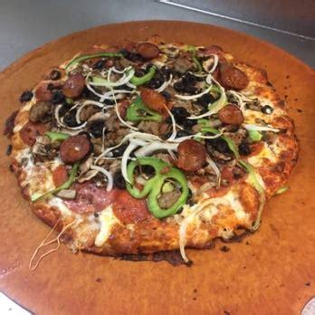 Round Table Pizza 30 Photos 40 Reviews Pizza 3327 Pizza Buffet Sacramento