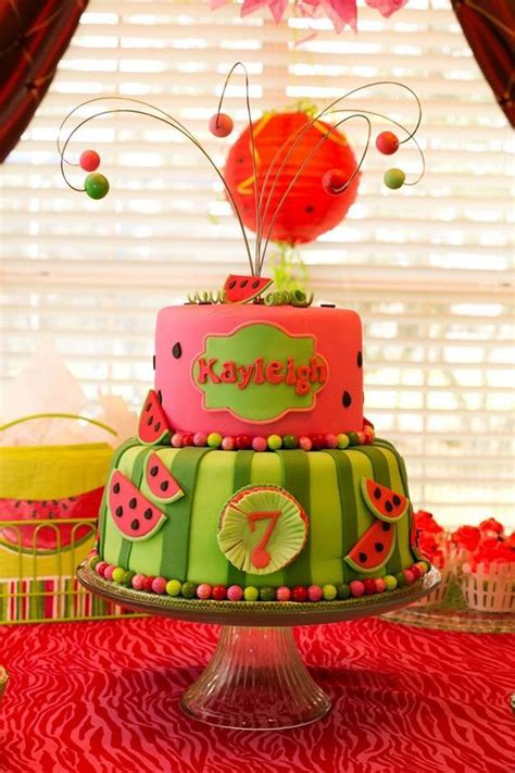 Watermelon Cake Decorating Ideas by 25 Best Ideas About Watermelon Birthday Cakes On