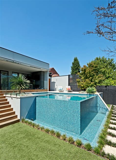 Backyard Nature Products Kew Infinity Pool And Spa Modern Pool Melbourne By