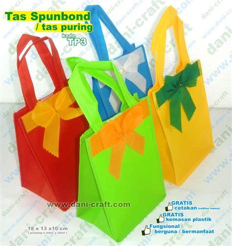 Kain Spunbond Bandung tas spunbond souvenir pernikahan unik bermanfaat harga murah