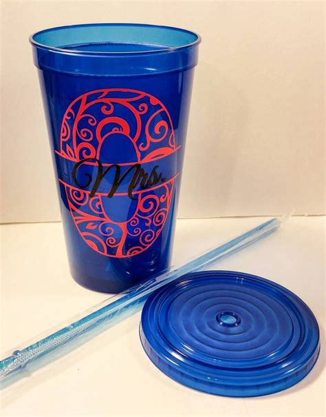 Favor Cups With Straws by 25 Best Ideas About Plastic Cup With Straw On