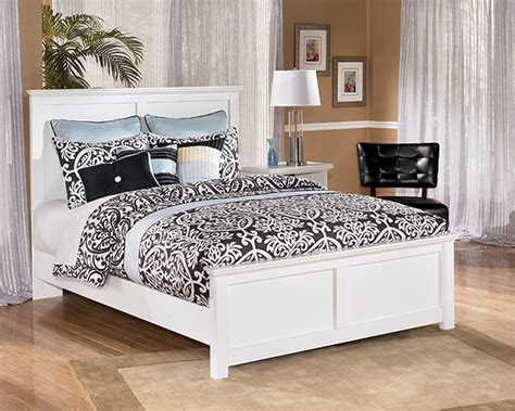 white cottage style bedroom furniture bostwick shoals solid white cottage style bedroom set
