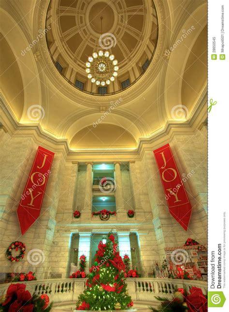 christmas tree prices in arkansas arkansas capitol rotunda tree royalty free stock photo image 28650545