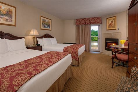 hotels with 2 bedroom suites in pigeon forge tn 2 bedroom hotels in pigeon forge tn memsaheb net