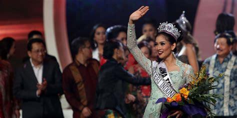 Kaos Kelahiran Bulan Februari pakai kaos palu arit putri indonesia 2015 bikin netizen