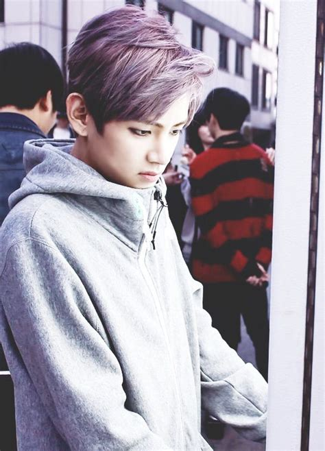kim taehyung black hair v with purple hair is just amazing k pop oppa
