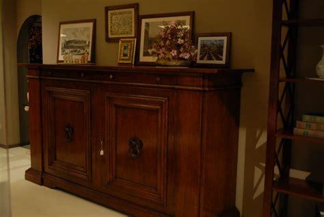 credenza classica legno massello soggiorno credenza classica legno madie classico
