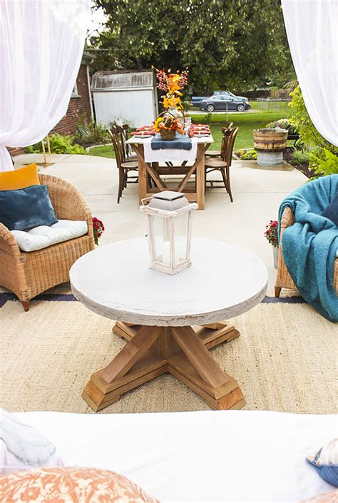 pottery barn knockoff outdoor coffee table free plans