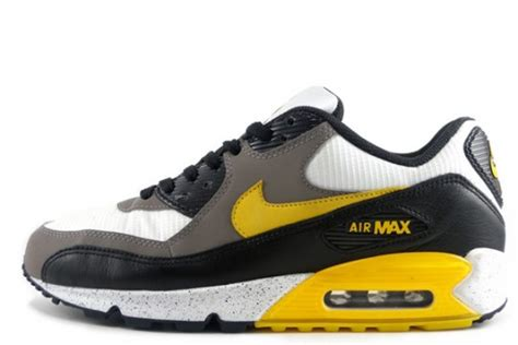 Nike Airmax Live nike air max 90 livestrong stages front 540x360 jpg