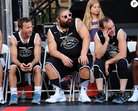 clark gregg basketball breckin meyer josh ostrovsky clark gregg lors du espnla