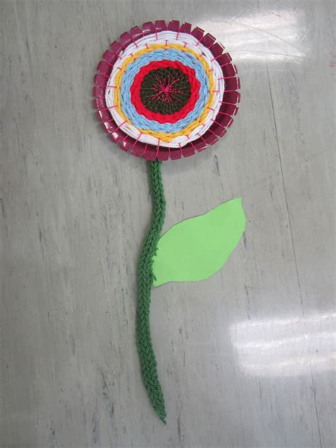 Blumen Aus Wolle Wickeln by Pappteller Weben Textiles Werken Weben
