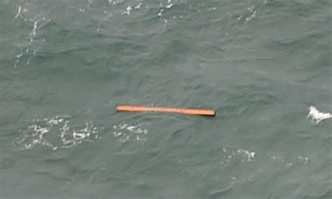 airasia uk missing airasia flight qz8501 airline confirms debris in