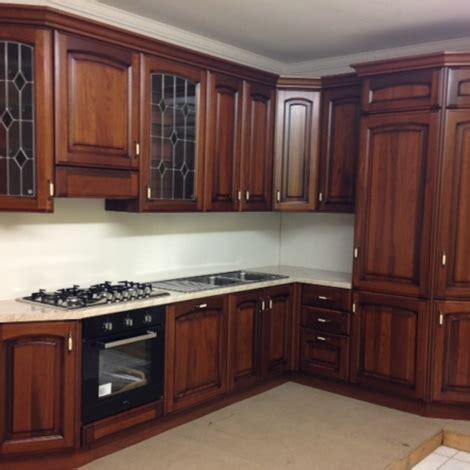 cucine in legno massiccio cucina ged cucine cucina classica legno massiccio