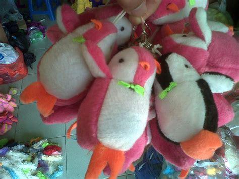Gantungan Kunci Made Bantal Sosmed gantungan kunci kodian pinguin aureldoll s