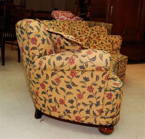 floral sofa at 1stdibs floral sofa at 1stdibs