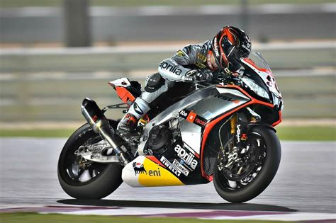 motorcycle racing gear impact of speed on the body when racing a motorcycle