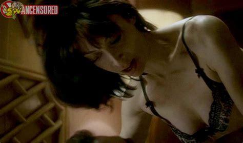 Illeana Douglas Nude Pics Page