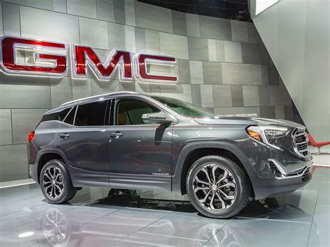 gmc terrain 2018 black 2018 gmc terrain arrives in style kelley blue book