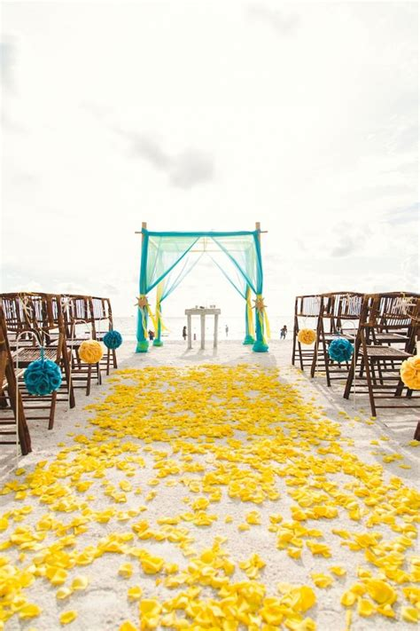 Yellow Wedding Arch by 25 Best Ideas About Yellow Weddings On