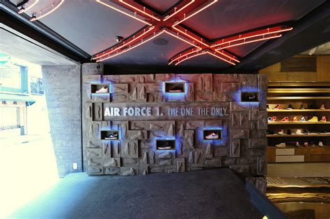 nike ps store air force  promotion display  studio arrt hong kong retail design blog