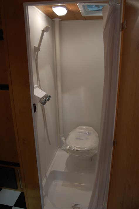 Rv With Bathroom by Sprinter Rv Shower Toilet Autos Post