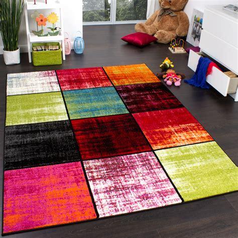 tapis chambre gar輟n tapis chambre d enfant carreaux multicolore vert