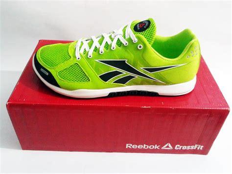 Harga Reebok Crossfit sepatu fitnes reebok crossfit nano 2 0 green gravel white