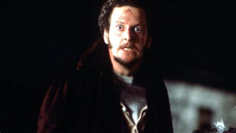 home alone marv actor home alone actor daniel stern breaks out in song for