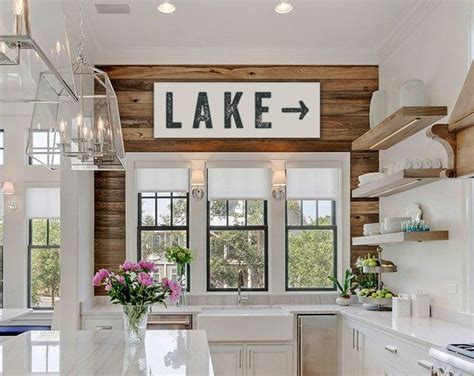 lake home decor 25 best ideas about lake house decorating on pinterest