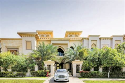 buy houses in dubai guptas buy r445 million villa in dubai report