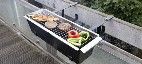 barbecue da terrazzo accessori da balcone piccoli complementi per spazi