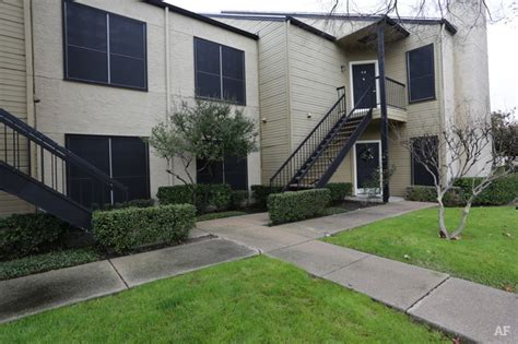 Garden Apartments Waterford Waterford At The Park Carrollton Tx Apartment Finder