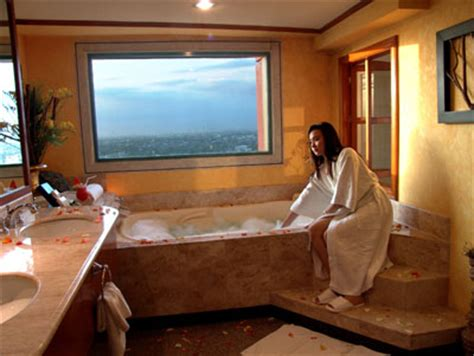 Hotel With Bathtub Manila by Discount Hotel Accommodation Bookings In Vivere Hotel Alabang Philippines
