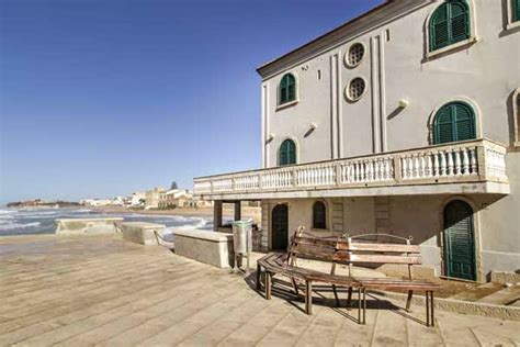 casa di montalbano punta secca sicilia sud il barocco e i luoghi di montalbano tra