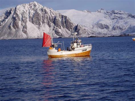 norwegian fishing boat builders building a hybrid fishing boat