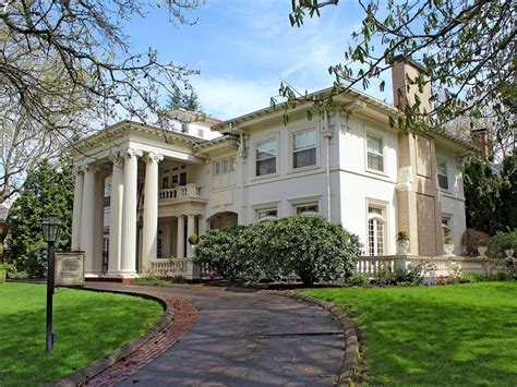 Portland Bed And Breakfast by Wow House In Portland The White House Bed Breakfast