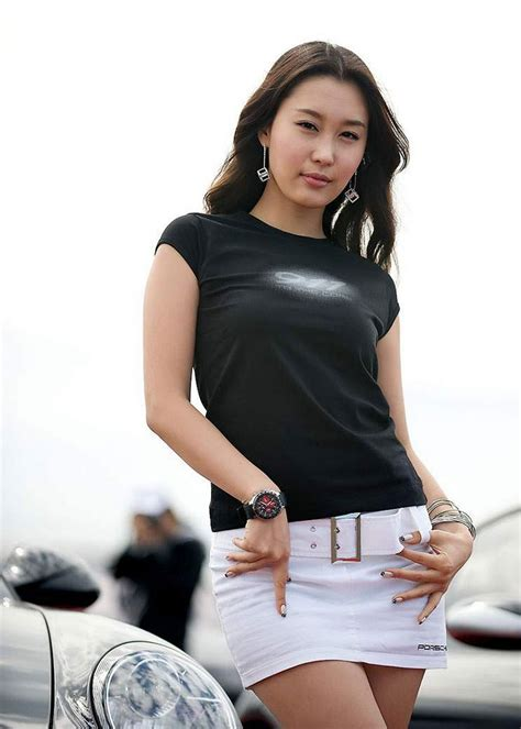 sporty girl wallpaper sexy and sporty girl wallpaper wallpaper