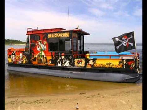 sun tracker party cruiser  boat pirates   caribbean youtube