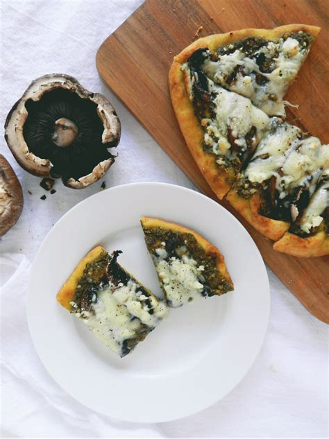 mushroom blue cheese stovetop pizza blue cheese and mushroom pizza lc living