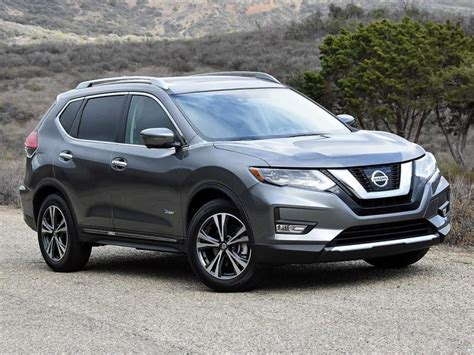 grey nissan rogue ratings and review 2017 nissan rogue hybrid ny daily news