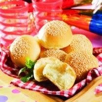 membuat roti wijen resep membuat roti nanas wijen empuk resepmembuat com
