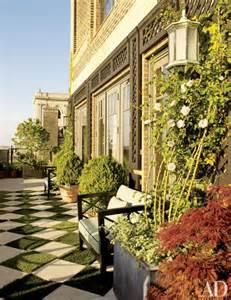 penthouse terrace bette midler s manhattan penthouse apartment decoratour