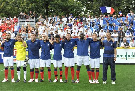 hymne coupe du monde le but est atteint pour les footballeurs sans abri la croix