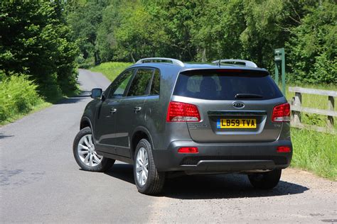 How Much Does A Kia Cost Kia Sorento Estate 2010 2014 Running Costs Parkers